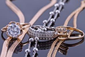 Quelles sont les précautions à prendre pour bien revendre ses bijoux en or et en argent?